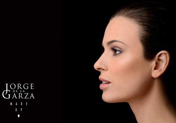 Consejos de maquillaje para eliminar manchas y ojeras
