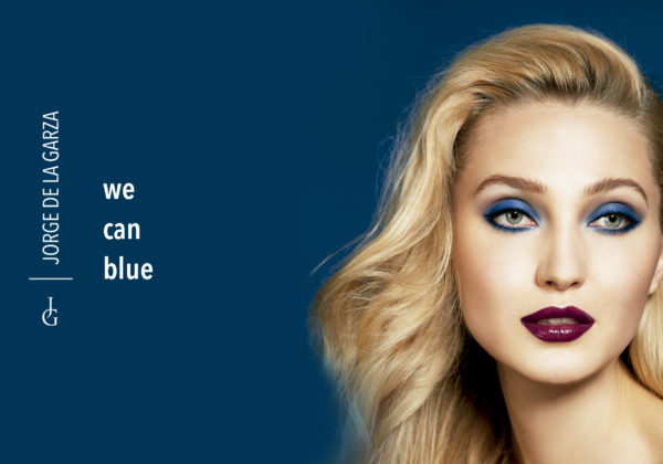 """We can blue"". Maquillaje de ojos azul y labios color vino, la tendencia de esta temporada."