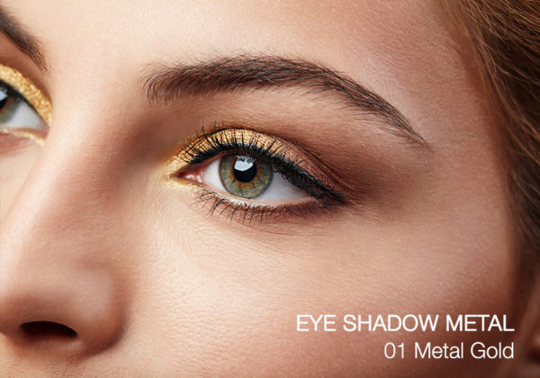 Aplicación eye shadow metal 01 Metal Gold