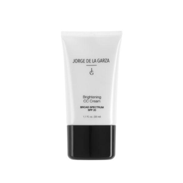 Cuidar el rostro en verano con CC Cream resistente al agua