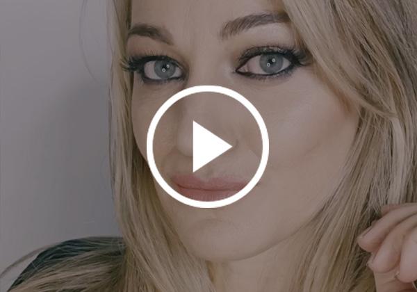 Look de maquillaje combinando tonalidades