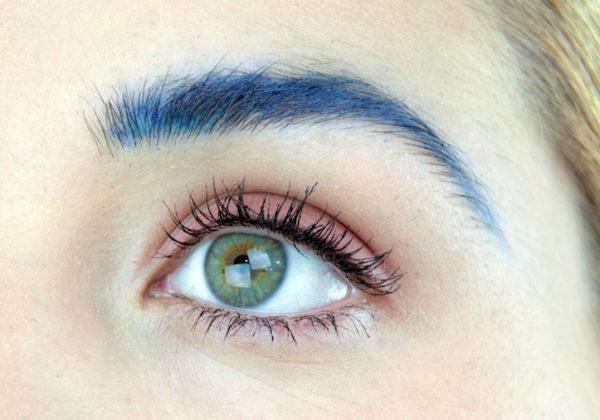 Cejas color azul
