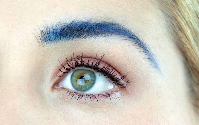 Cejas color azul