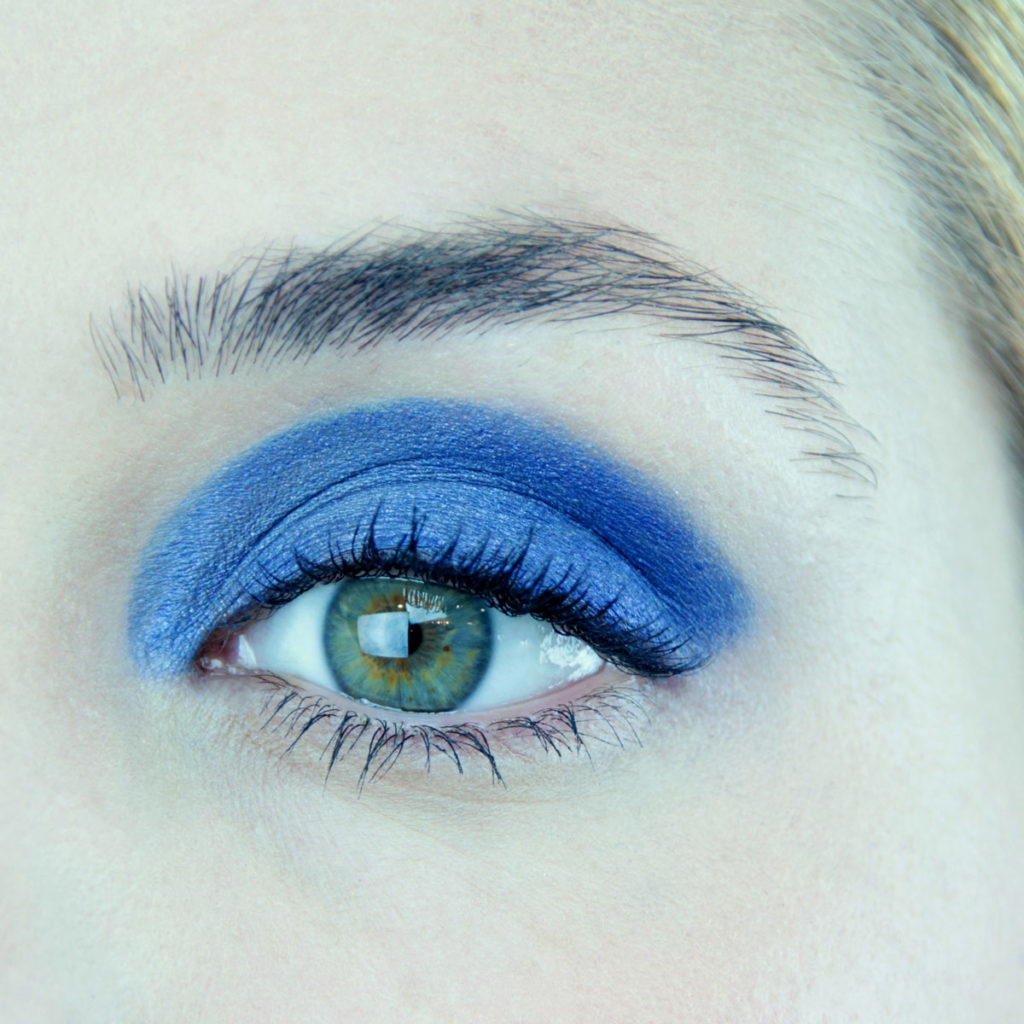 Maquillaje de ojos para fiesta color azul - Maquillaje 1
