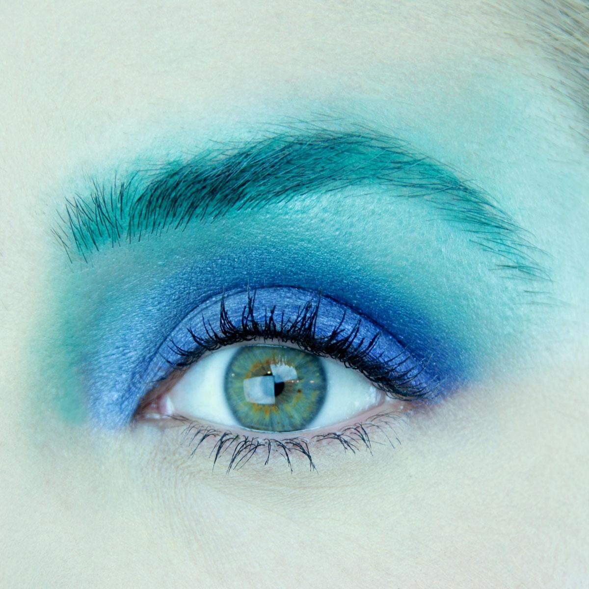 Maquillaje de ojos para fiesta color azul - Maquillaje 2