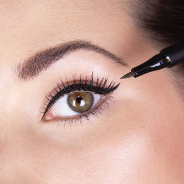 perfect eye liner detail