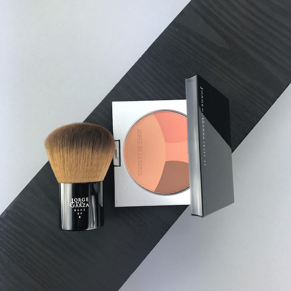 polvo-compacto-bronceador-four-seasons-bronzer-maquillaje-profesional